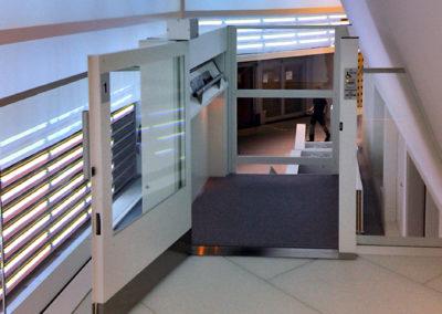plattformshiss MC2000 öppen Frankfurts flygplats